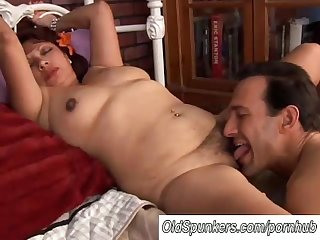 Beautiful mature latina flor loves to fuck