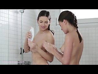 Eufrat and sylvie get it in the shower