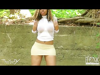 Lady la tryce mammal ebonx tv hip roll Twerk video