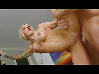 Ex groupie slut helly catches a hellfire missile in her eager snatch
