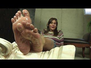 Lacreme s oily soles