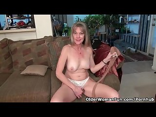 American milf lucky stuffs her pussy with a dildo