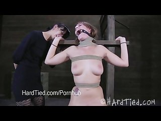 Submissive Alisha adams and domina elise graves play hard