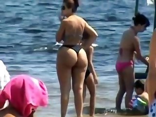 Spying mom plumper butt beach voyeur candid big ass chubby granny