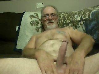 Older male masturbates on cam