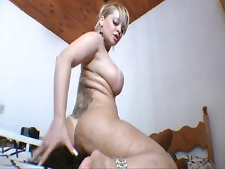 Cibelle mancinni lesbian facesitting 2
