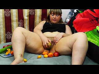 Fatty masturbates fruit fruits in pussy hairy