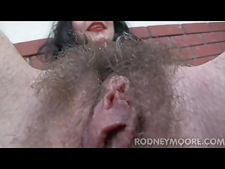 Hirsute girl orlan doe hairy pussy bushy armpits unshaven legs cum on bush