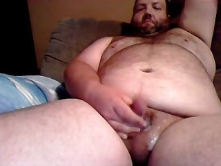 Chub daddy shoots his load