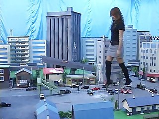 Giantess girl 2