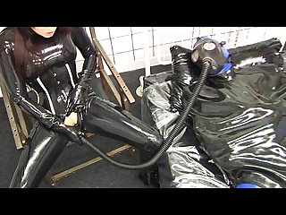 Latex snief dildo gasmask masturbation