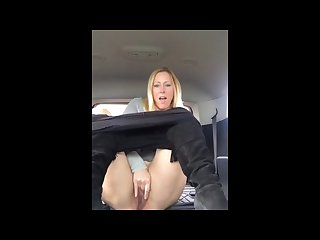 Blond milf squirts in rental vehicle