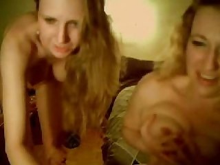Mom n daughter on webcam