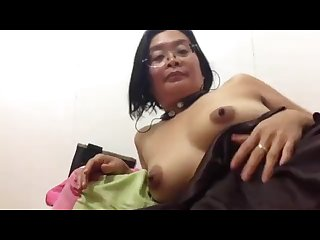 Filipina mature mom fucking her pussy and asshole with finger on Skype