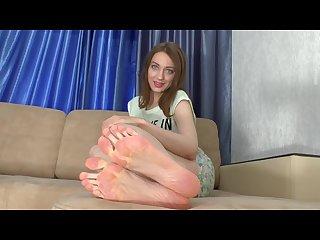 Ariana S massive stinky feet giantess glass floor