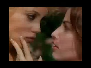 Elizabeth berkley gina gershon lesbian kiss from Showgirls
