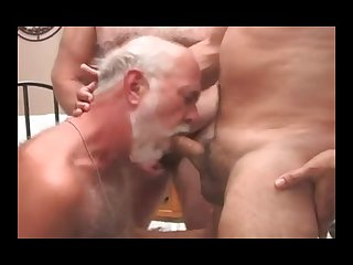 4 viejos follando