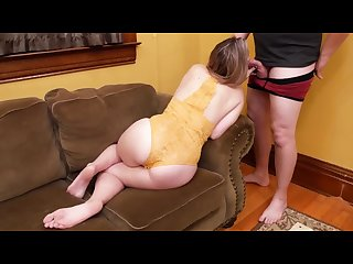 First time anal with a giggly cumshot for this mom