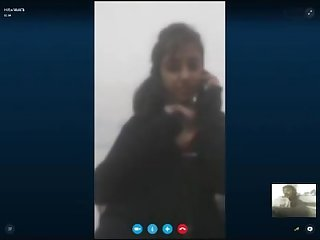 Pakistani girl sex chat on skype with boyfriend wid audio