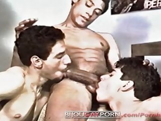 Classic threeway oral action hooked on hispanics 2 the bronx crew 1990