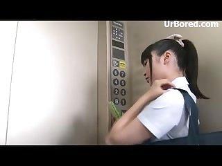 Elevator ass geek 01