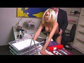 Chef fickt Angestellte im Büro - HD - german - Jasmine Rouge