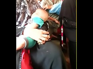 Tharki bhudha bus me hat mara mp4