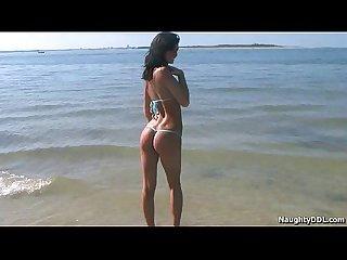 Hot teen in bikini19