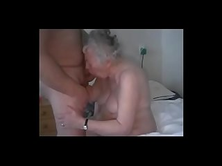 Amateur having fun with old granny