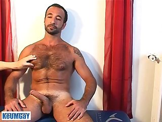 Kamel a real arab sport guy get wanked his huge cock by a guy