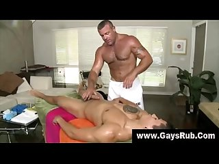 Masseuse sucking off straight guy