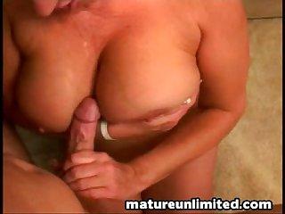 Blondie milf likes to suck