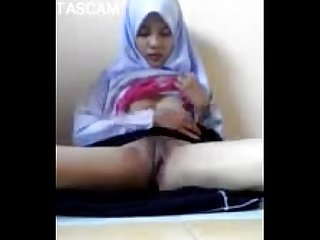 Young thai muslim girl masturbation on camera