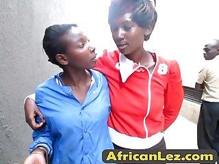Africanlez 27 9 16 213 1 8 anisa liaro bedroom edicion