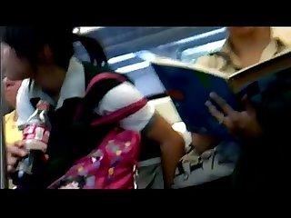 Bajo falda de secu en el metro Upskirt