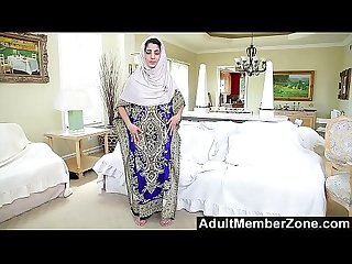 Adultmemberzone secluded Arab babe gives sizzling solo masturbation show