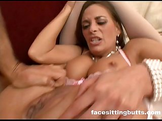 Guy gets a private lesson from a anal loving milf
