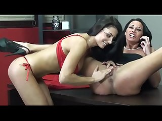 Lesbian love in office fo Sofia cucci and martina gold