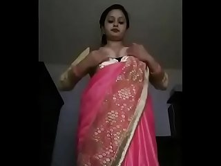 plz give me some more videos of this hot bhabhi