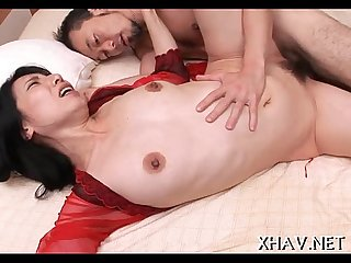 Fat pussy slut sucks big one eyed monster