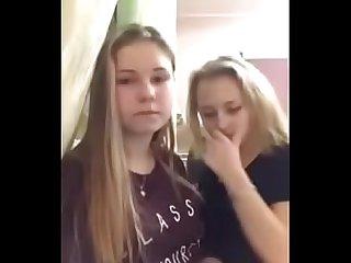 2 Lesbian kiss cam - YouTube