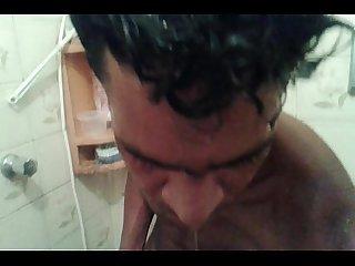 Pintudo Punhetando no Banheiro do hotel