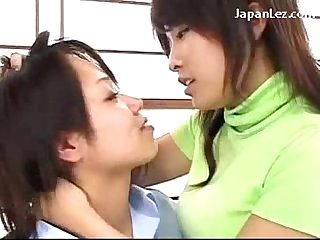 Young girl getting her hairy pussy licked fingered by older girl