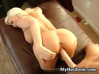 Stacked woman acts like a wet whore