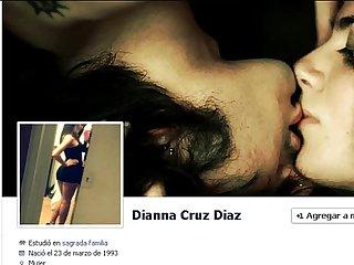 Una nena de Facebook que le gusta por el culo