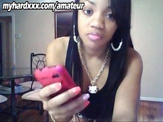 Light skinned ebony teen booty poppin on webcam
