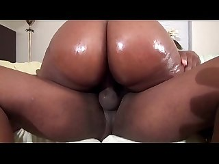 checking the big booty of the college black babe - EbonyGirls69.com