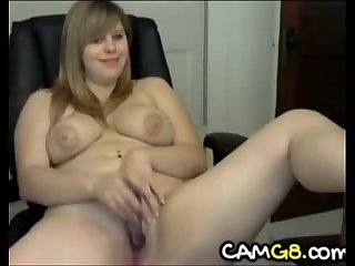 Sexy chubby girl toying camg8