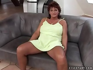 Divorced mom takes a young cock