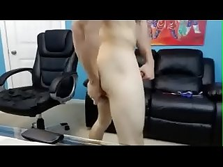 Gros dick Muscle Guy explose - Regarder plus au rawcamsperiodcom